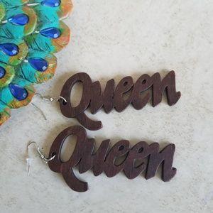 Earings QUEEN Wood Hook Hanging Boho New